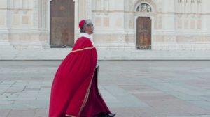 Cardinale in Piazza Maggiore a Bologna